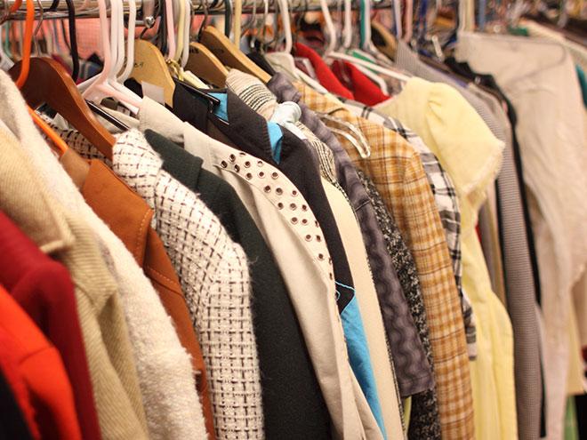 Que faire de ses vêtements usagés
